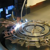 Laser welding of clutch plates for lorries